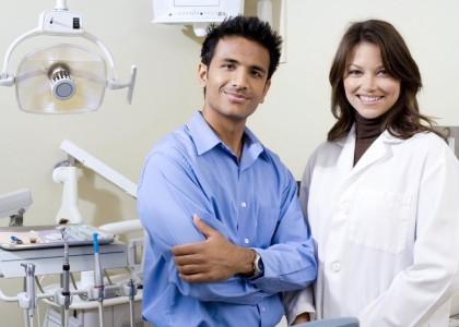 Con el título de odontólogo… qué camino seguir?